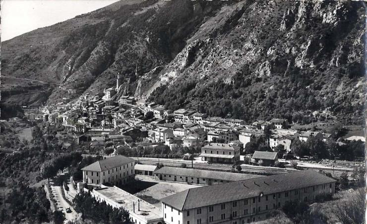 Les casernes 1961